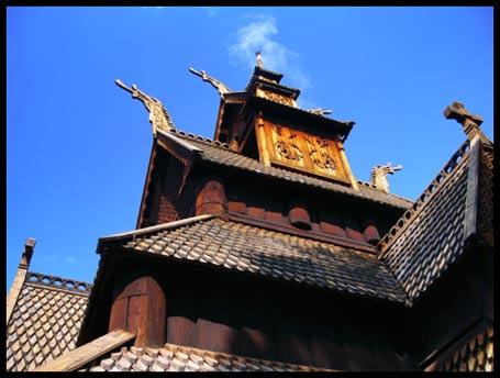 imagen de una iglesia vikinga