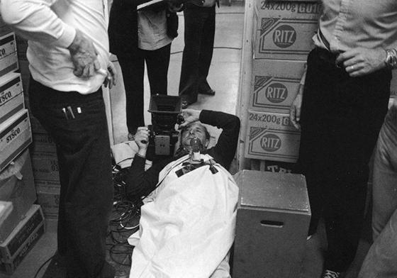 El-resplandor, el cameraman preparado para grabar la escena del contra-picado